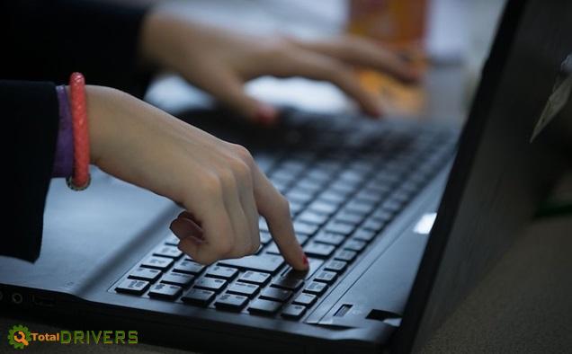 Những mẹo đơn giản giúp làm mát máy tính khi sử dụng trong thời gian dài - Ảnh 1.